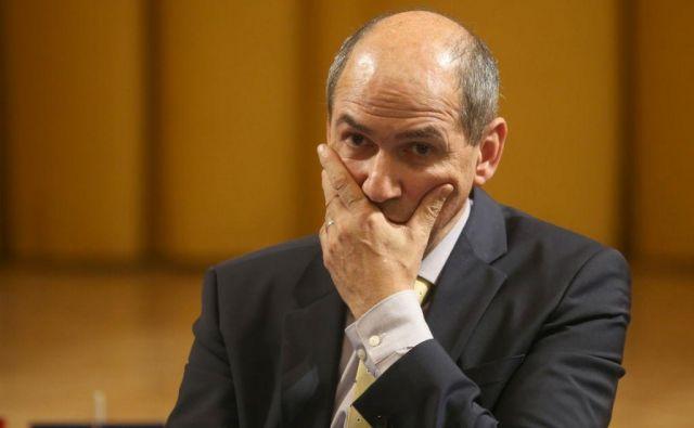 Janez Janša: SDS ne kliče po predčasnih volitvah, je pa nanje pripravljena. FOTO: Tadej Regent