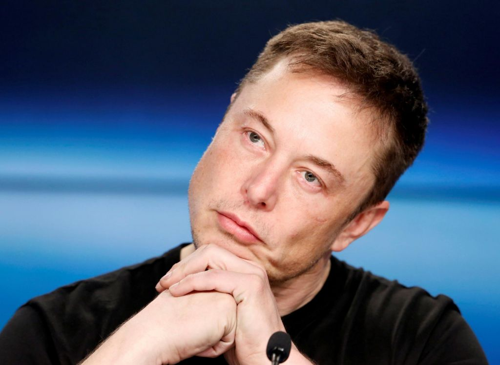 Užaljeni Elon Musk z nepremišljenim tvitom nad reševalca