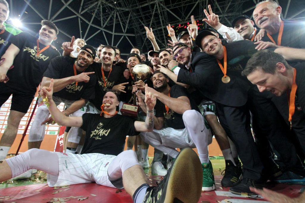 Ljubljanski košarkarji prvič v superpokalu lige ABA