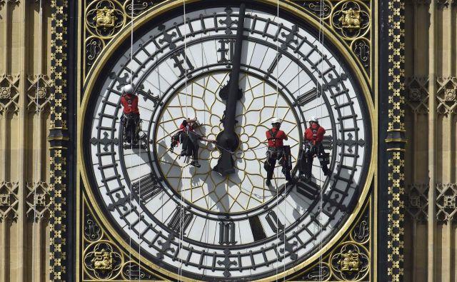 Evropska komisija prav zdaj izvaja javno posvetovanje o ureditvi poletnega časa. Državljane vseh članic poziva, naj do 16. avgusta izpolnijo spletni vprašalnik o prehajanju na poletni čas.<br /> <br /> <br /> <em>FOTO</em> Reuters