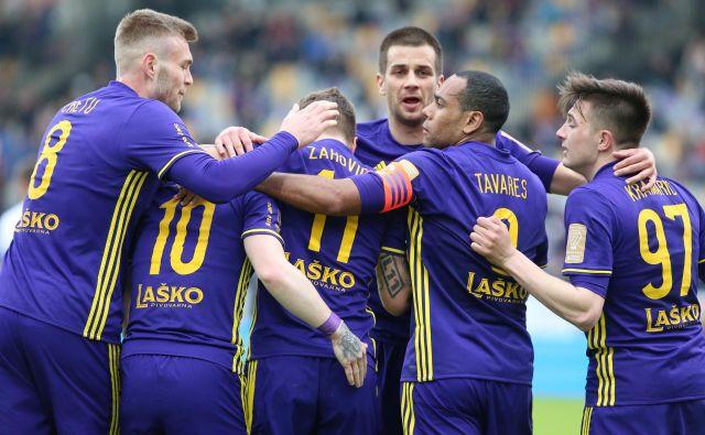 Luka Zahović in Dino Hotić sta bila zelo razpoložena. FOTO: Tadej Regent/Delo