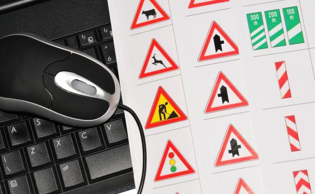 Avstrijske oblasti krčijo stroške pri opravljanju vozniških izpitov. FOTO: Shutterstock