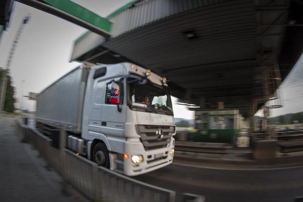 Med povzročitelji prometnih nesreč več tujih voznikov tovornih vozil