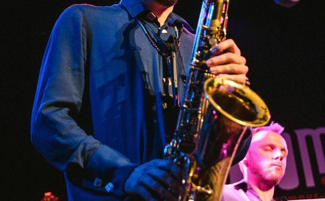 »Obe glasbi sta emocionalni, harmonsko velikokrat v enakih postopih, pri obeh je zelo pomemben tudi ritmični element,« je slavoriško mešanico opisal Jan Kus. Foto osebni arhiv