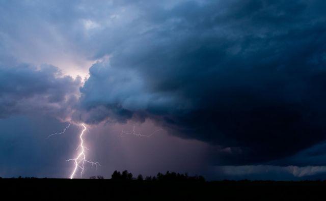Nedelja je spet minila v znamenju krajevnih neurij. FOTO: Getty Images/Istockphoto