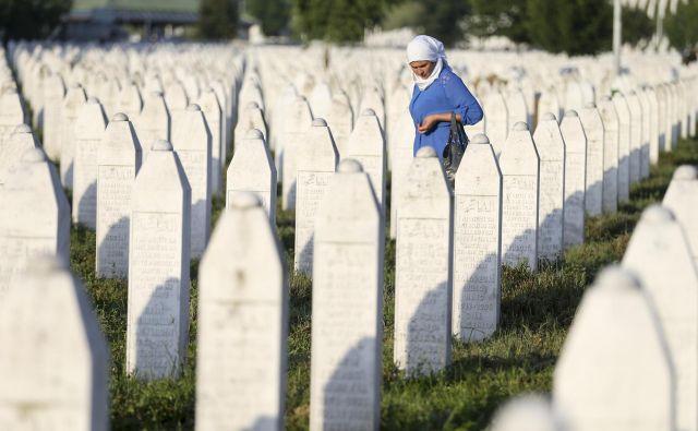 Haaško Mednarodno sodišče za vojne zločine na ozemlju nekdanje Jugoslavije je najhujši pokol v Evropi po drugi svetovni vojni označilo za genocid. FOTO:Reuters