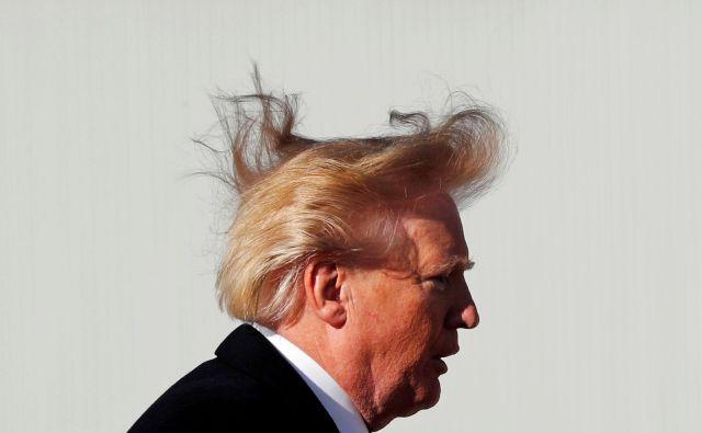 Pogosto so pojasnila in popravki le upanje uradnikov, da se bo Donald Trump držal začrtane politike. FOTO: Reuters