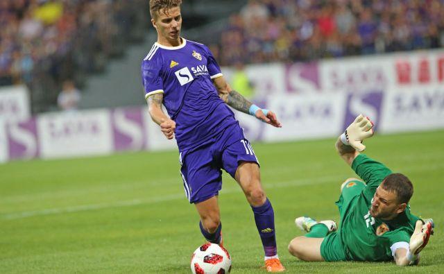 Luka Zahović je sezono začel v slogu naziva najboljšega strelca: z dvema goloma. Foto Tadej Regent/Delo