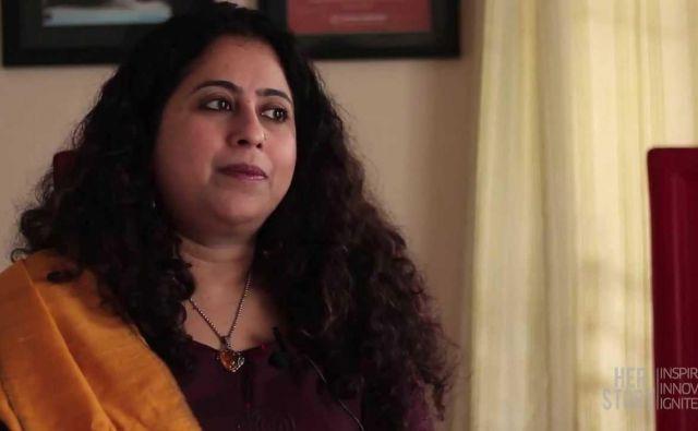 Anito Nair uvrščajo med deset najboljših indijskih pisateljic, njeni romani so prevedeni v več kot dvajset jezikov. Foto youtube