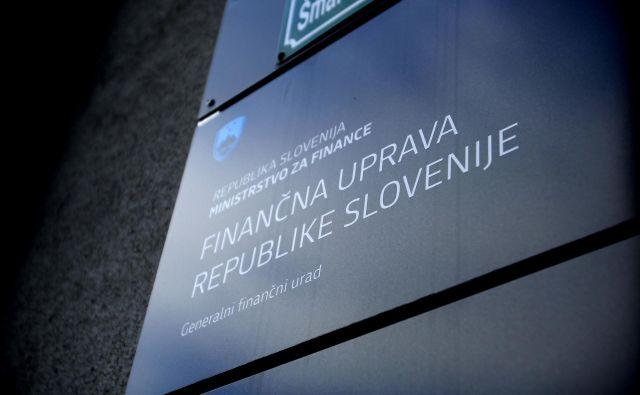 Finančna uprava bo nagradila tiste, ki so posbne olajšave uveljavljali preko eDavki. FOTO: Leon Vidic/Delo