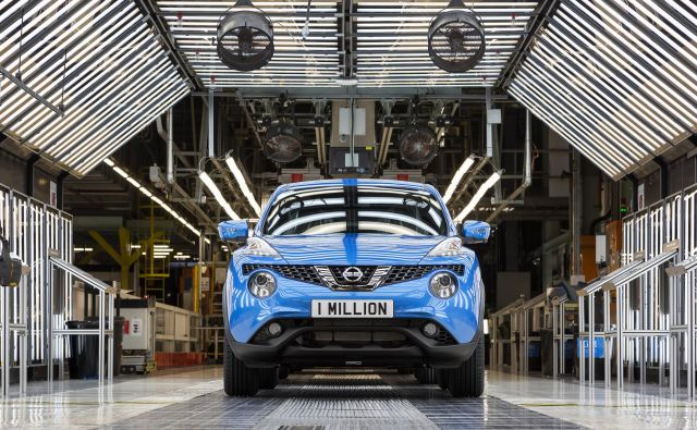 Milijonti nissan juke, ki je bil izdelan v Nissanovi tovarni v Sunderlandu, v Veliki Britaniji. FOTO: Nissan