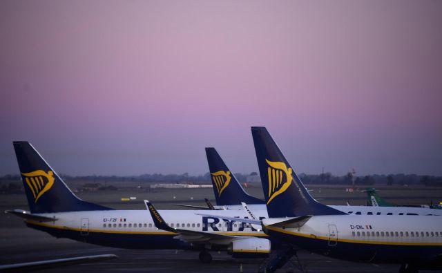 Ryanair je danes in jutri odpovedal 600 letov, kar je potovalne načrte spremenilo več kot 50.000 potnikom. FOTO: Clodagh Kilcoyne/Reuters