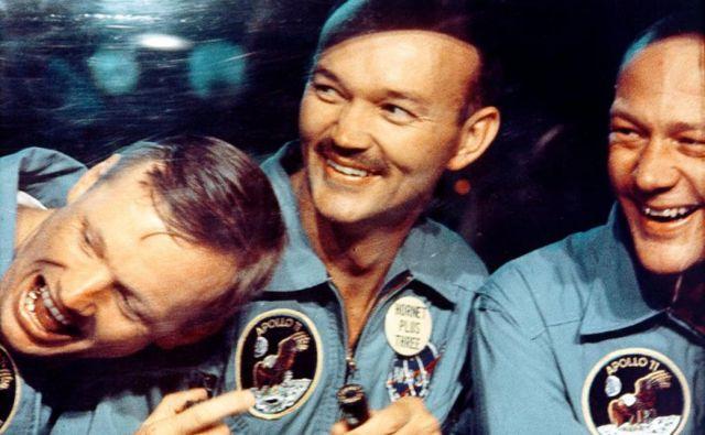24. julija 1969 je ekipa Apolla 11 pristala v morju. Neil Armstrong, Michael Collins in Buzz Aldrin so nato morali v 21-dnevno karanteno, ker je obstajala majhna možnost kontaminacije. Karanteno so odpravili po misiji Apollo 14. FOTO: Nasa