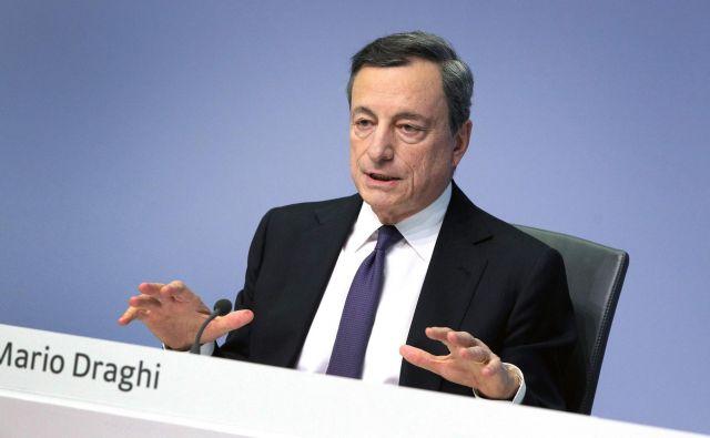 Mario Draghi, Predsednik ECB, bo kot kaže prvi vodilni v zgodovini ustanove, ki v svojem mandatu ne bo spremenil ključne obrestne mere. Foto Daniel Roland Afp