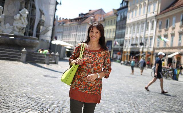 »V letošnjem prvem polletju je bilo 603.000 turističnih prenočitev, to je 1,3 odstotka več kot v enakem obdobju lani,« pojasnjuje Petra Stušek, prva dama Turizma Ljubljana. FOTO: Leon Vidic