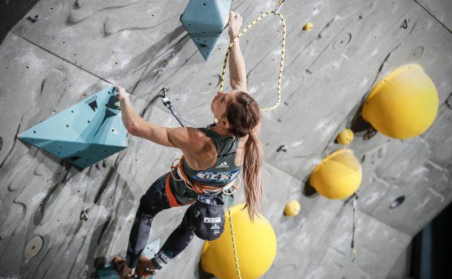 Mina Markovič je letos storila precejšen napredek pri dinamiki plezanja. Foto Uroš Hočevar