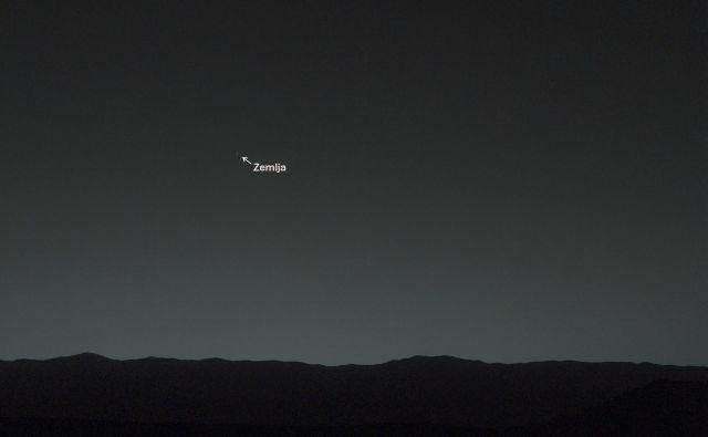 Se bomo ljudje na Marsu, kdaj ozirali za modro piko na nebu? (Fotografijo je sicer posnel rover Curiosity 31. januarja 2014.) FOTO: Nasa
