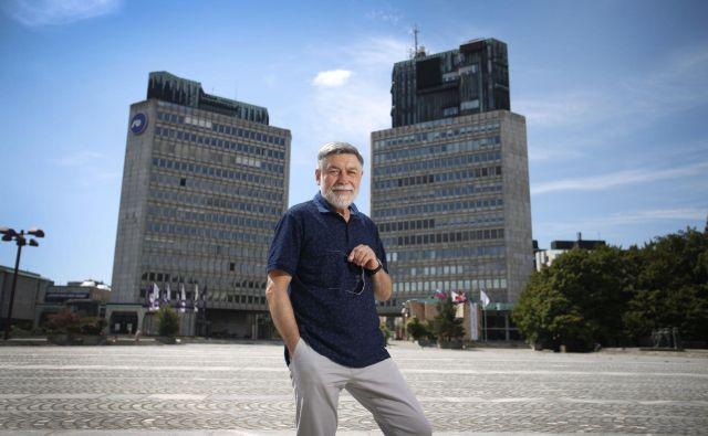 Dr. Peter Krečič, umetnostni zgodovinar na Trgu republike. FOTO: Leon Vidic