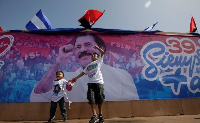 Ortegovi nekdanji sodelavci in sopotniki iz časov upora proti Somozi opozarjajo, da je predsednik izgubil kompas. FOTO: Reuters