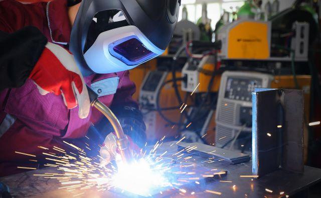 Največ povpraševanja na trgu delovne sile je po delavcih za preprosta dela v predelovalnih dejavnostih, inženirjih strojništva in strokovnjakih tehnično-tehnoloških strok. FOTO: Jože Suhadolnik
