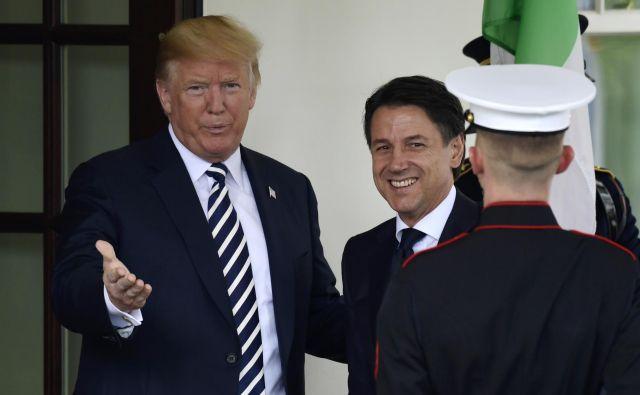 Conteja in Trumpa povezuje tudi naklonjenost oblasti v Moskvi. FOTO: AP