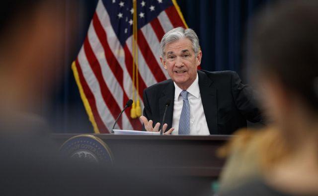 Predsednik Fed Jerome Powell je tokrat le komentiral razmere v gospodarstvu. FOTO: Carolyn Kaster/AP