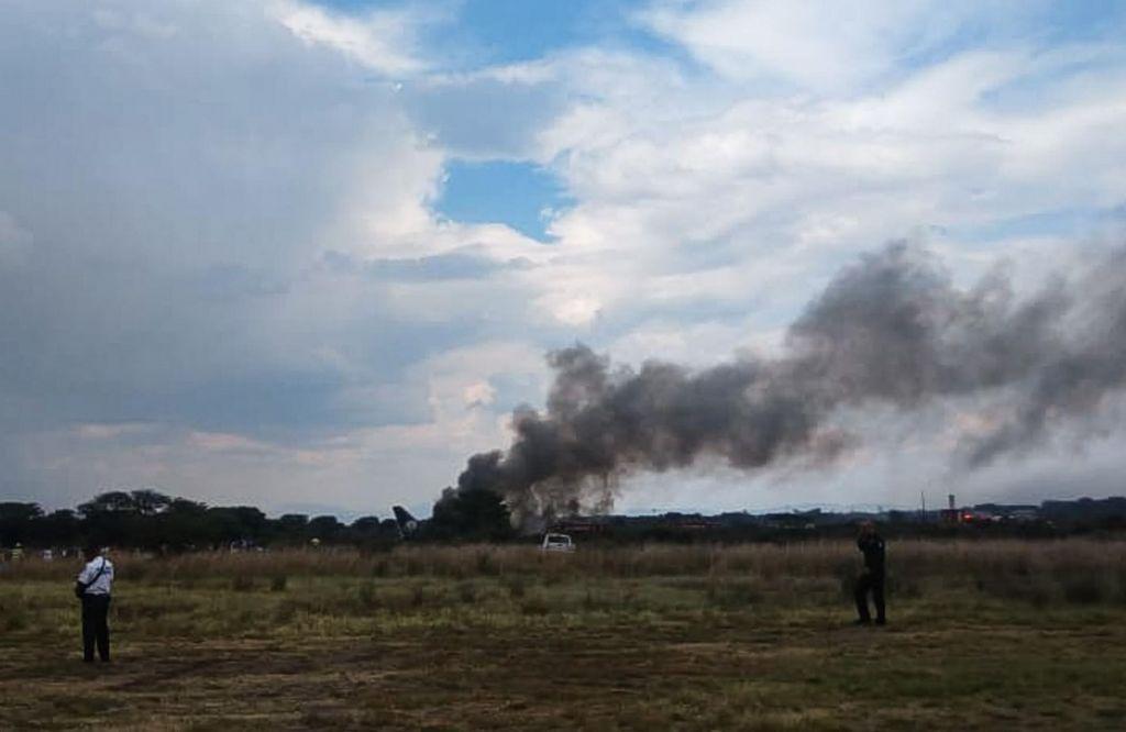 FOTO:Letalo strmoglavilo, a k sreči ni nihče umrl