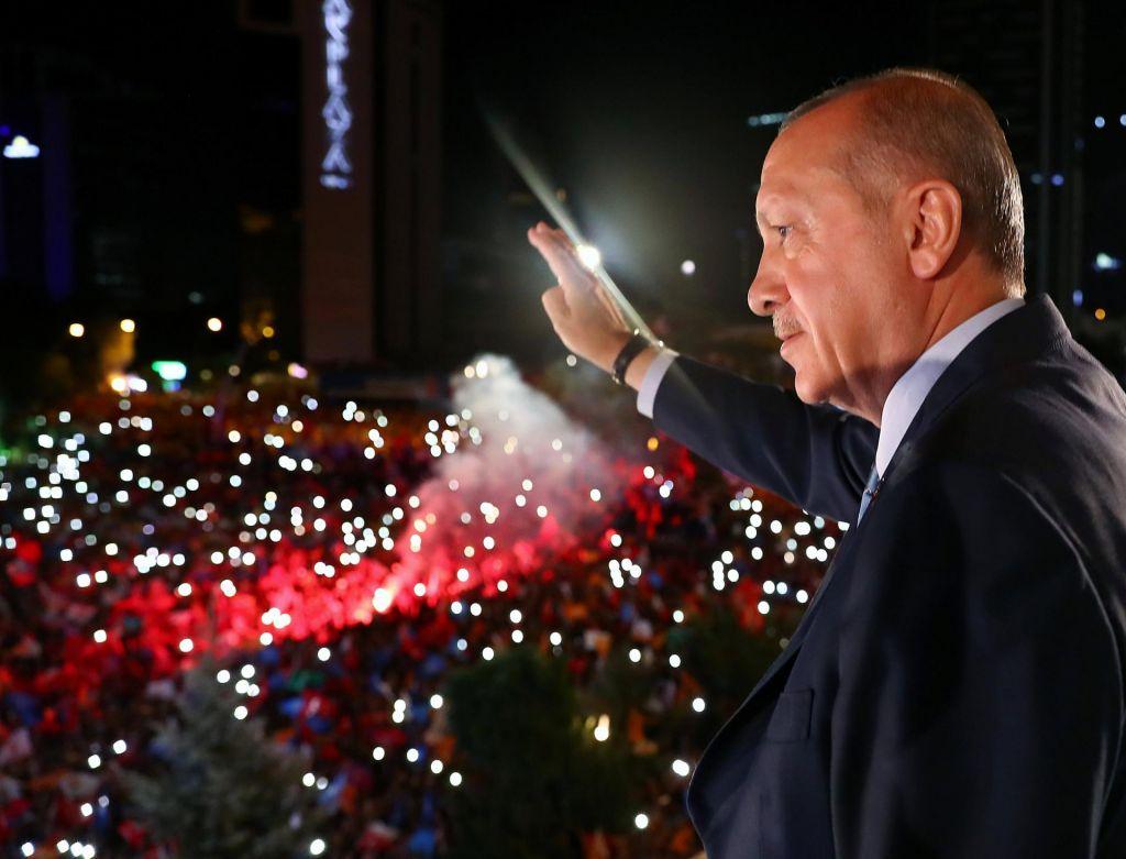 Turčija po bombnem napadu za ponovno uvedbo smrtne kazni