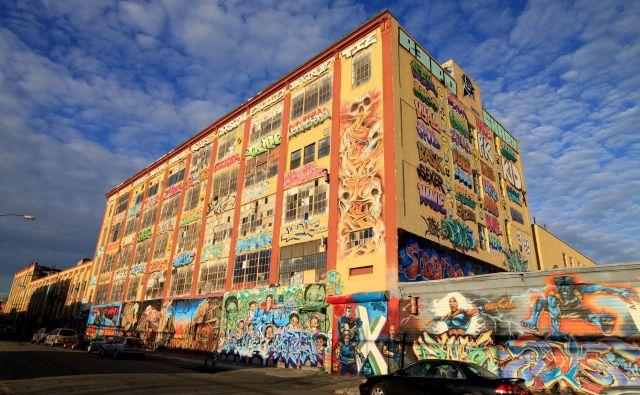 Objekt 5 Pointz, znamenito grafitarsko točko na Long Islandu v New Yorku, so zrušili, a brez odškodnine ni šlo.FOTO: Wikipedija