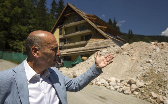 Poslovnež Marjan Batagelj na Jezerskem prenavlja hotel Planinka. FOTO: Voranc Vogel/Delo