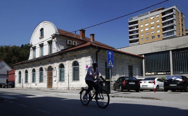 Stavba na Frankopanski 5, kjer je sedež Zveze potrošnikov Slovenije. FOTO: Matej Družnik