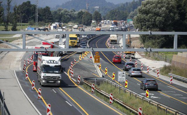 Rušenje cestninske postaje Log FOTO: Uroš Hočevar