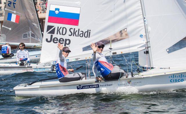Veronika Macarol in Tina Mrak sta pripravljeni za napad na olimpijsko vozovnico, s SP bi se radi vrnili tudi s kolajno. FOTO: Uroš Kekuš Kleva