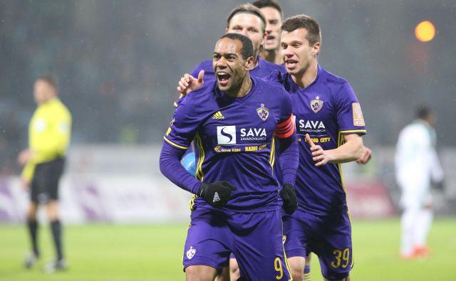 Marcos Tavares je dan pred povratno evropsko tekmo s Čihuro podpisal novo pogodbo za Maribor.<br /> FOTO Tadej Regent