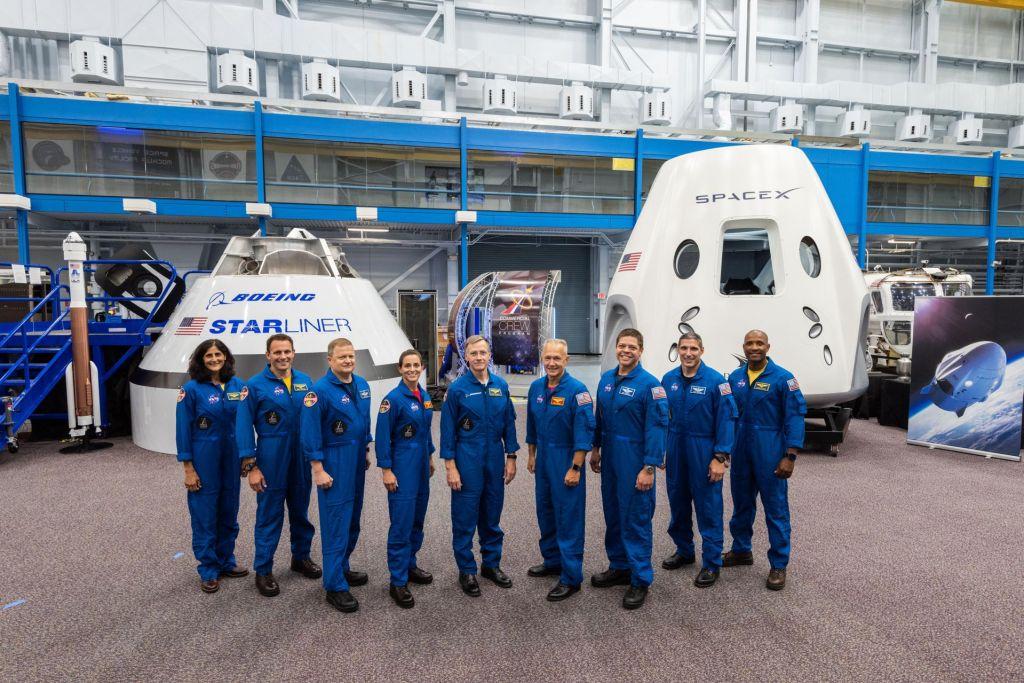 Izbrani astronavti, ki bodo po letu 2011 vzleteli z ameriških tal