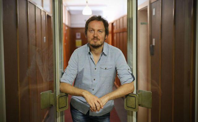 Goran Lukić:V gradbeništvu, denimo, ni problem samo nizko plačilo, temveč tudi sistematično presežen delovni čas, ki se samo podaljšuje s plastmi podizvajalske verige. FOTO: Leon Vidic