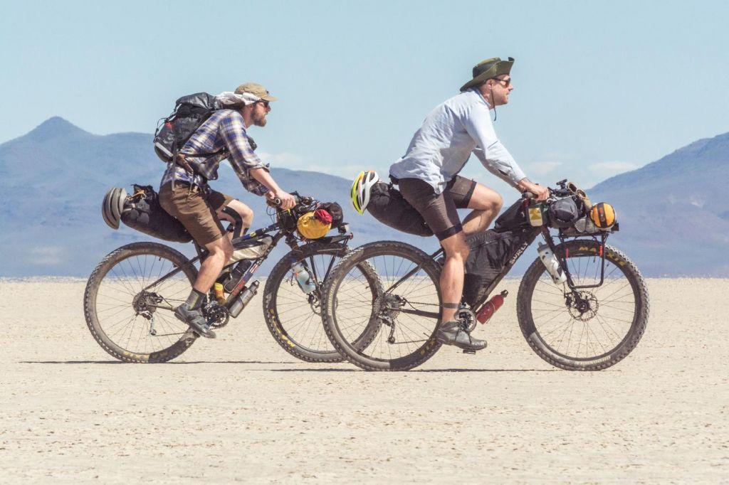 FOTO:Z biciklom na dopust? Smeh vse naokoli ust!