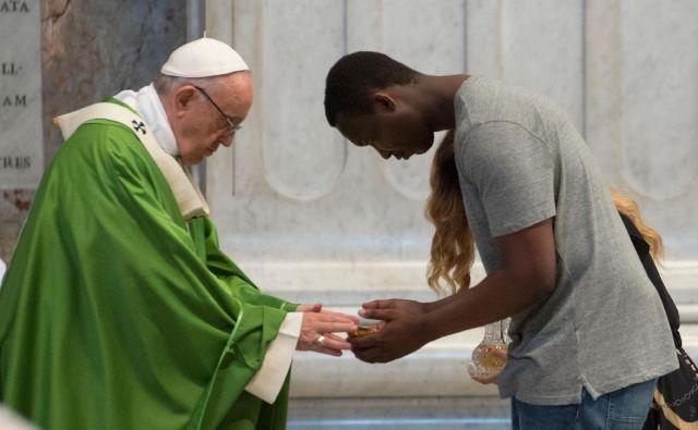 Papež Frančišek FOTO: Vatican Media/Reuters
