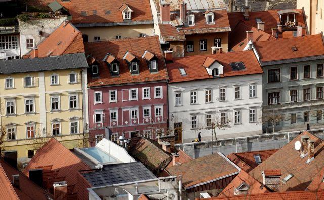 Hribarjevo nabrežje v Ljubljani FOTO: Mavric Pivk/Delo
