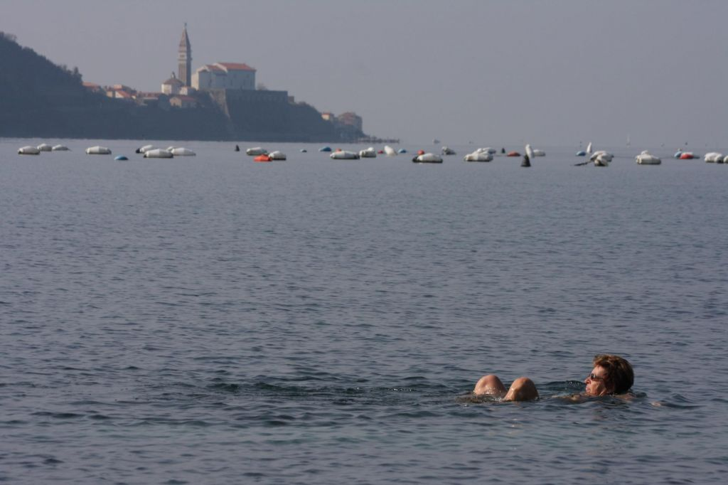 FOTO:Svoje upokojence pošljejo na počitnice