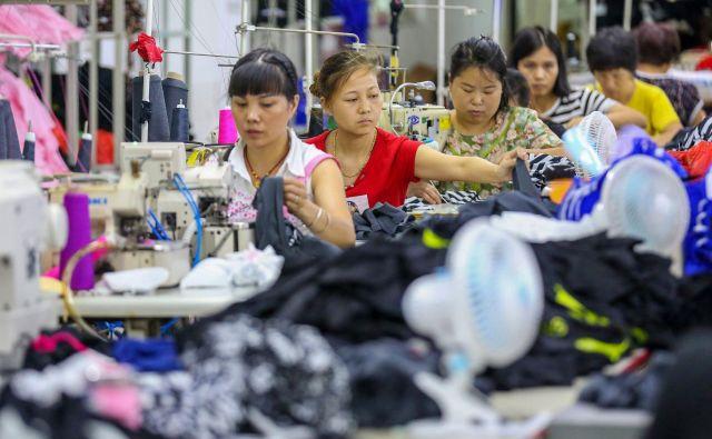 Analitiki ocenjujejo, da bodo imele carine slab vpliv tudi na ameriško gospodarstvo. Foto AFP