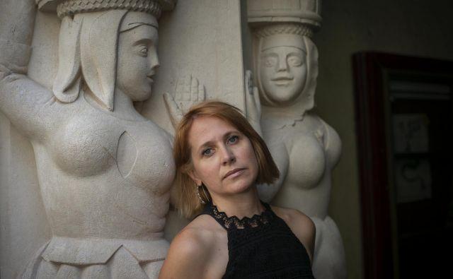 Barbara Kapelj: »Rada bi, da se z zgodbami nekdanjih Ljubljančank seznani čim več ljudi.« Foto Jože Suhadolnik