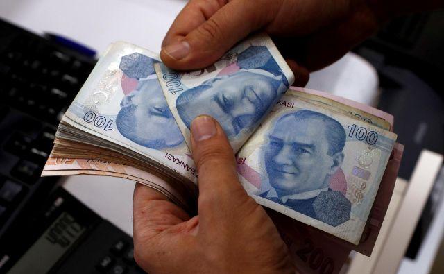 Padec turške lire naj bi imel le omejen vpliv na gospodarstvo v Evropi. FOTO: Reuters