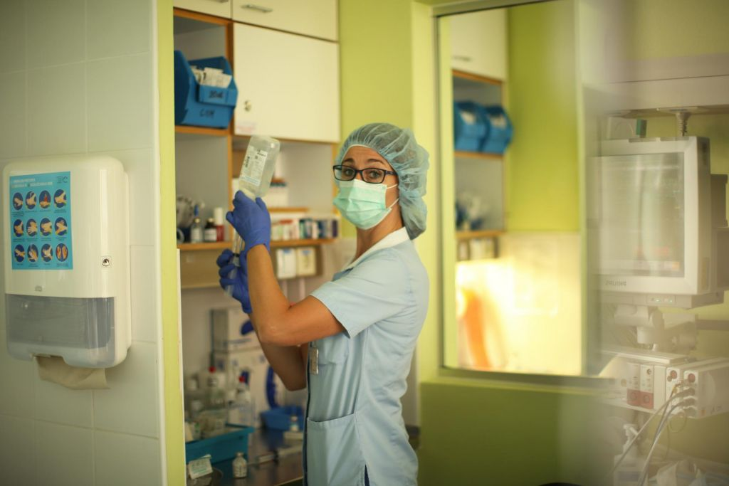 Medicinskih sester primanjkuje tudi v Nemčiji