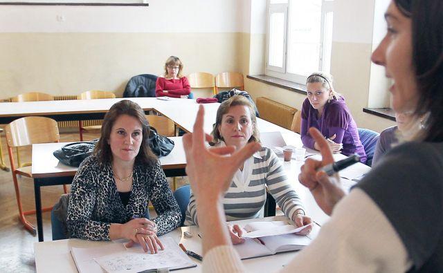 V petih letih naj bi nova znanja in kompetence pridobilo najmanj 17.400 zaposlenih. FOTO: Matej Družnik
