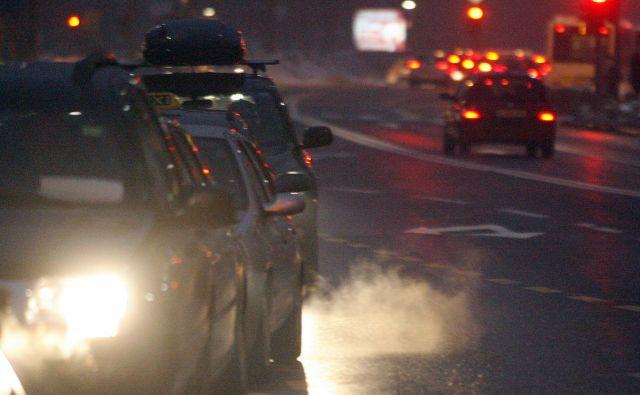 Z novim testom se izpusti onesnažil merijo tudi zunaj laboratorija, v realnem prometu. Foto Mavric Pivk