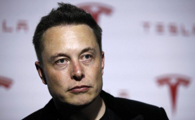Sedanji delničarji bi po besedah Muska lahko ostali privatni investitorji oziroma bi jih prvi mož Tesle izplačal z dobičkom. FOTO: Lucy Nicholson/Reuters