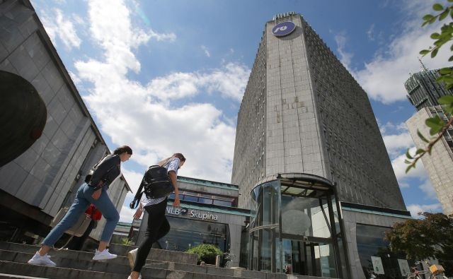 Če bo šla prodaja banke po načrtih, bo čez dobre tri mesece vsaj polovica NLB v zasebnih rokah. FOTO: Jože Suhadolnik