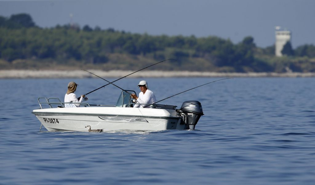 Ribiči bodo prejeli 255 tisoč evrov nadomestila