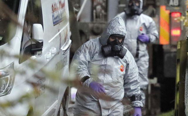 Po zakonu o nadzoru kemičnega in biološkega orožja morajo ZDA uvesti sankcije proti državi, ki je uporabila tovrstno orožje. FOTO: AP